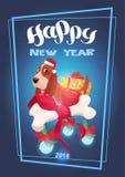 De Kaart het Gelukkige Nieuwjaar van de vakantie 2018 Groet Van letters voorzien over Leuke Hond in Santa Hat Royalty-vrije Stock Foto's