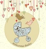 De Kaart van de Aankomst van de baby met Vogels en Wandelwagen Royalty-vrije Stock Afbeeldingen