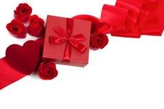 De Kaart van de Dag van de valentijnskaart met Giften Stock Afbeelding