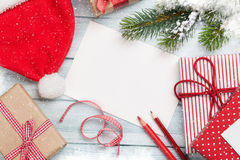 De kaart van de Kerstmisgroet en giftdozen Stock Afbeelding
