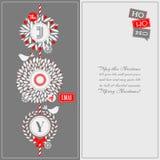De kaart van de Kerstmisgroet met hulstkroon en leuke vogels Stock Afbeeldingen