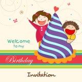 De kaart van de verjaardagsuitnodiging met jonge geitjes Stock Afbeelding