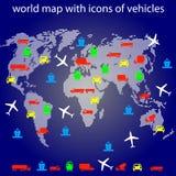 De kaart van de wereld met pictogrammen van vervoer voor het reizen. Stock Afbeelding