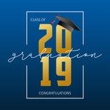 De kaart van de graduatiegroet Klasse van 2019 - banner met gouden aantallen, kader en baret Gelukwensenaffiche van graduatie vector illustratie