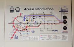 De kaart van de informatieroute bij JR-post in Tokyo, Japan Stock Foto's