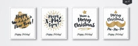 De kaart van de Kerstmisgroet met embleem gouden stijl wordt geplaatst op de witte achtergrond die van de sneeuwvakantie Stock Afbeeldingen
