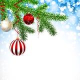 De kaart van de Kerstmisgroet met pijnboomtakken en ballen stock illustratie