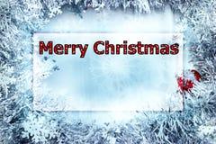 De kaart van de Kerstmisgroet met woorden Vrolijke Kerstmis in stipbrieven, rood en wit royalty-vrije stock afbeelding