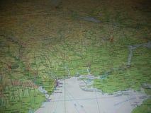De kaart van Oekraïens land van de duisternis van het oosten wordt geabsorbeerd royalty-vrije stock foto's