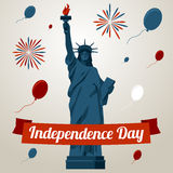 De kaartconcept van de onafhankelijkheidsdag met vrijheidsstandbeeld Stock Afbeeldingen