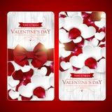 De kaarten van de valentijnskaartendag met boog Royalty-vrije Stock Afbeeldingen