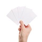 De kaarten van het document in vrouwenhand Royalty-vrije Stock Fotografie
