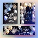 De kaarten van de partijuitnodiging met luchtballons en kronkelweg royalty-vrije illustratie
