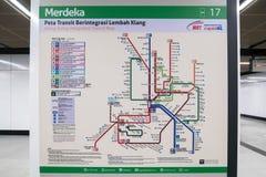 De kaartvertoning van de Klangvallei geïntegreerde doorgang bij de MRT post MRT is het recentste openbaar vervoersysteem in Klang Stock Foto