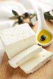 De kaas van feta met olijven Stock Afbeeldingen