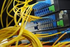De kabel en de hub van het netwerk Royalty-vrije Stock Afbeeldingen