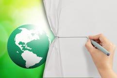 De kabel van de handtekening aan open verfrommeld document Royalty-vrije Stock Foto's
