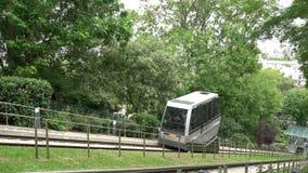 De kabelbaan in Montmartre, Parijs stock video