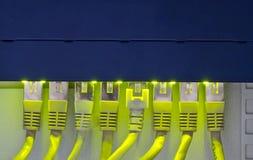 De kabels van de router en van het netwerk Royalty-vrije Stock Afbeeldingen