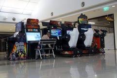 De kabinetten van het arcadespel stock afbeelding