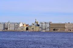 De Kade van het paleis in St. Petersburg stock foto