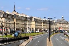 De kaden van Bordeaux met tramspoor, Frankrijk royalty-vrije stock foto's