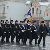 De kadetten van de mariene korpsen op parade in rood vierkant in Moskou stock afbeeldingen