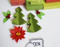 De Kalender van de komst De Tijd van Kerstmis Het met de hand gemaakte proces van verwezenlijking, Giften in de dozen Nieuw jaar  Royalty-vrije Stock Foto