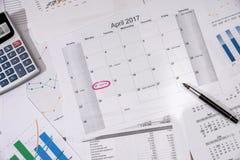 de kalender van 2017 met bedrijfsgrafiek Stock Foto's