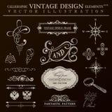 De kalligrafische uitstekende reeks van ontwerpelementen Vectorornamentkader Stock Foto's