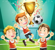 De kampioen van het kinderenvoetbal met trofee. vector illustratie