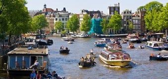 De kanalen van Amsterdam stock foto's