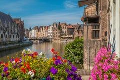 De Kanalen van Gent in België stock afbeeldingen