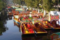 De kanalen van Xochimilco stock foto's