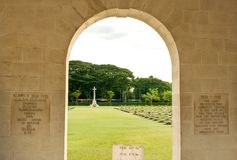 De Kanchanaburi-Oorlogsbegraafplaats is de belangrijkste krijgsgevangenebegraafplaats voor slachtoffers van Japanse opsluiting royalty-vrije stock afbeelding