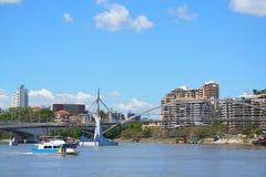 De Kant van de Rivier van de Stad van Brisbane Stock Foto's