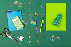 De kantoorbehoeften van de school Stock Foto