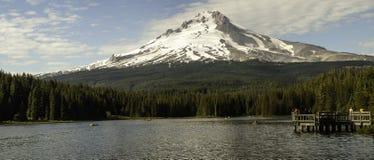 De Kap van MT, Oregon met maan stock foto's