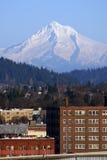 De Kap van MT over Portland, Oregon stock afbeelding