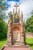 De Kapel van Rosslyn op een zonnige die de zomerdag, bij het dorp van Roslin, Midlothian, Schotland wordt gevestigd Stock Foto