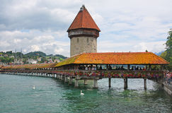 De Kapelbrug in Luzerne, Zwitserland Stock Afbeelding