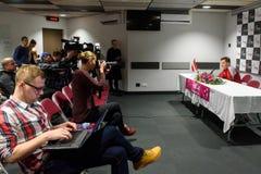 De Kapitein van Adrianszguns van team Letland voor FedCup, tijdens persconferentie voor FEDCUP-Wereldgroep II Eerste Ronde spelen stock afbeeldingen