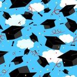 De kappen van de graduatie in de lucht Gediplomeerde achtergrond Royalty-vrije Stock Afbeelding