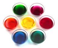 De kappen van het glas met kleurstoffen Stock Foto's