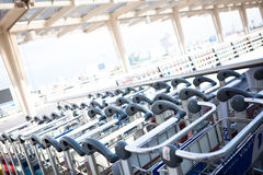 De kar van de luchthavenbagage Stock Fotografie