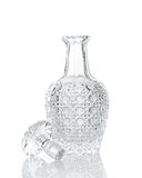 De karaf van het whiskykristal op wit Stock Foto