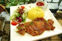 De karbonade van de kip met rijst Stock Foto's
