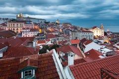 De karmosinröda taken av Lissabon Royaltyfri Fotografi