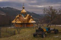 De Karpaten in de vroege lente Stock Foto's