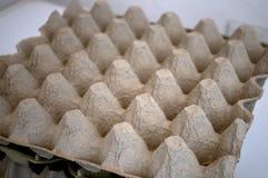 De kartonhouder van 30 eieren fotografeerde kort voor middernacht Royalty-vrije Stock Afbeeldingen